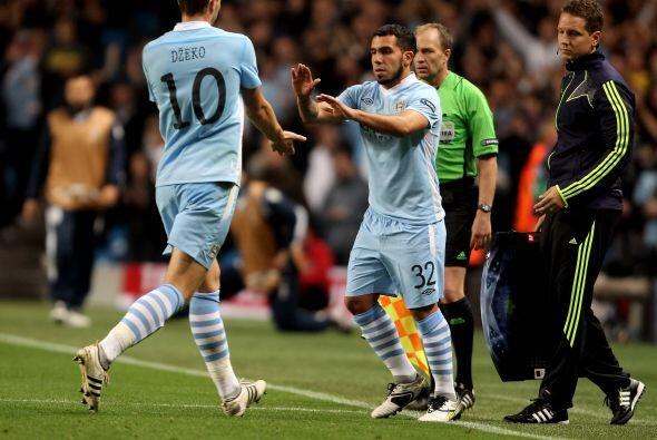 Mancini, DT del 'City', realizó varios cambios y mandó a l...