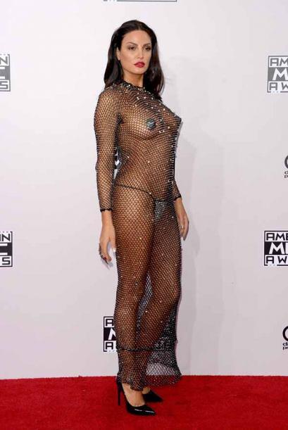 La cantante de Pop & R&B dejó a todos con la boca abierta con su vestido...