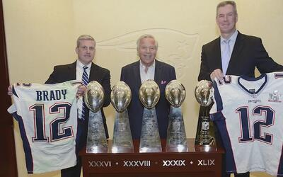 Camiseta hurtada después de que Tom Brady la usó en el Super Bowl ya fue...