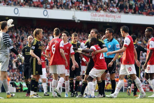 Pero ni esta situación calmó los ánimos, y algunos jugadores siguieron r...
