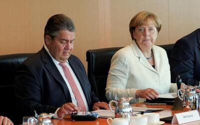 El ministro de Economía de Alemania, Sigmar Gabriel, y la cancill...