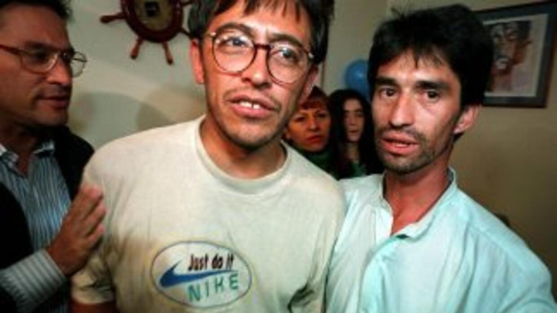 Un tribunal ordenó la captura del periodista William Parra, acusado de a...