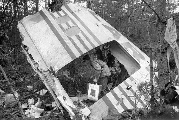 """4. Francia 1974 """" Avión choca en un bosque en las afueras de..."""