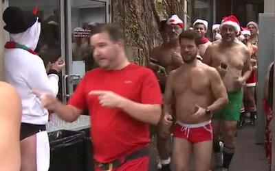 Así transcurrió la carrera 'Santa Speedo Run' en Boystown