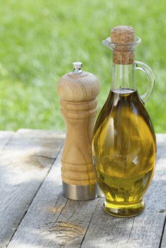 Aceite de oliva al gusto  1 taza de jitomate bola amarillo Cilantro, sal...
