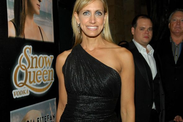 Lili Estefan es sobrina de Emilio Estefan y la cantante Gloria Estefan.