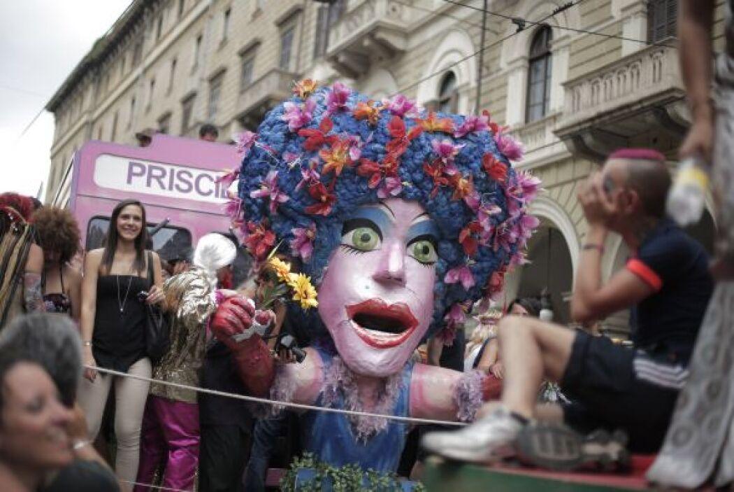 Donde miles de gays, bisexuales, lesbianas y transexuales salieron a fes...