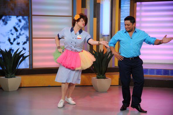 No estuvo nada mal el primer baile de Manny Manuel y Doña Meche.