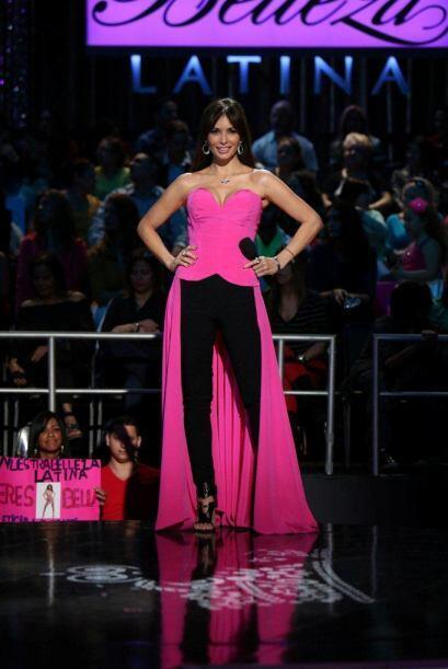 Giselle Blondet estuvo súper emocionada de dar inicio a la competencia.