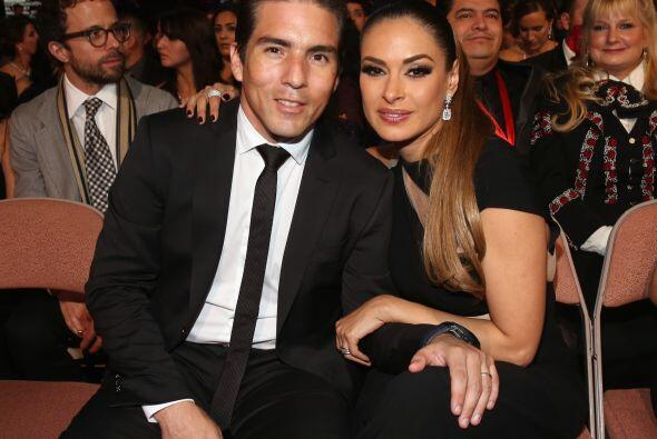 Actualmente, la mexicana está casada con con  Fernando Reina. Ello unier...