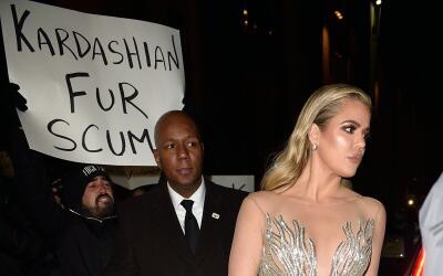 Khloé y Kourtney Kardashian en el Angel Ball de NY