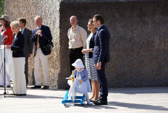 A su corta edad esta pequeña ha conseguido enamorar a la población sueca.