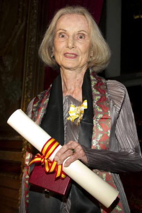 La investigadora de arte Priscilla Müller, quien rcibió la medalla Isabe...