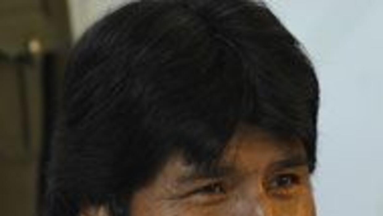 Evo Morales habló duro contra los pollos, ¿qué tanto pollo comes tú? a4d...