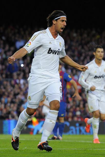 Sammy Khedira adelantaba al Real Madrid y silenciaba al Barcelona.