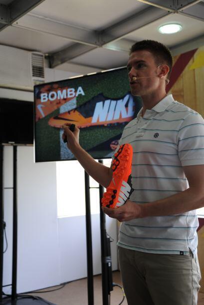 """La zapatilla Bomba Finale II está diseñada especialmente para jugar en """"..."""