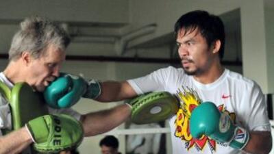 Freddie Roach entrena a Manny Pacquaio.