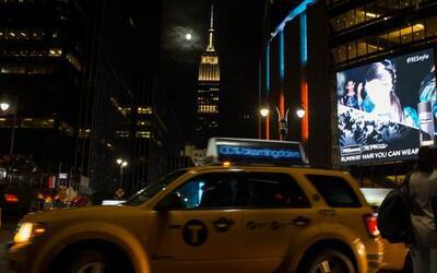 """Así se vio la """"luna de sangre"""" en Nueva York"""