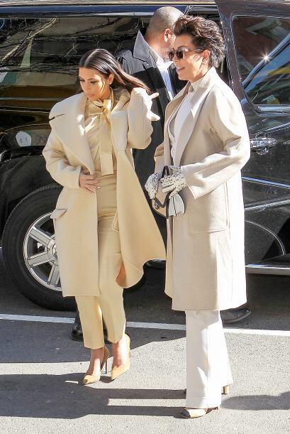 Tal parece que a Kim no le molesta que su mami quiera lucir como ella. M...