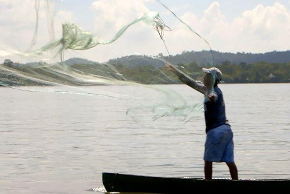 En la frontera entre Guatemala y Belice, visitó la ciudad de Livingston...