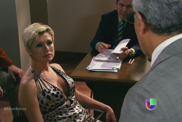 Isadora interrumpe al juez durante el careo y dice que es inocente.