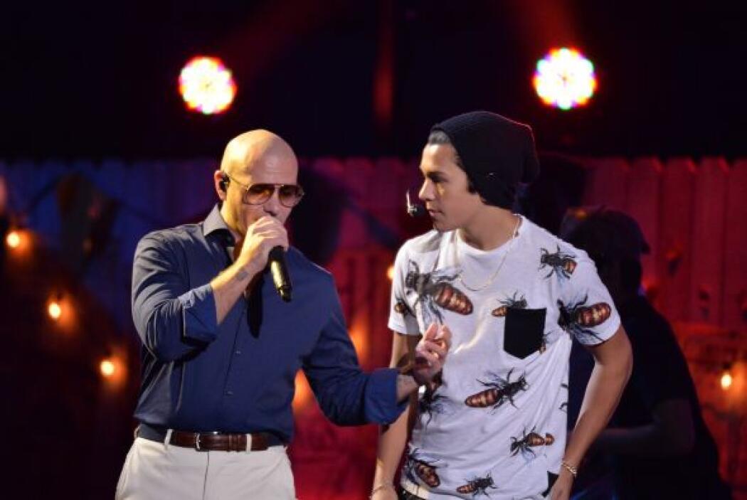 'Mmm yeah' Pitbull contagió con su ritmo a Austin Mahone.