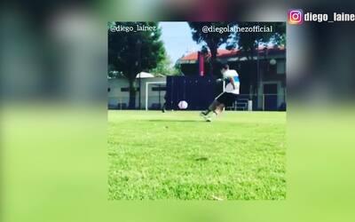 Diego Lainez enterró la pelota en el ángulo en este tremendo golazo de t...