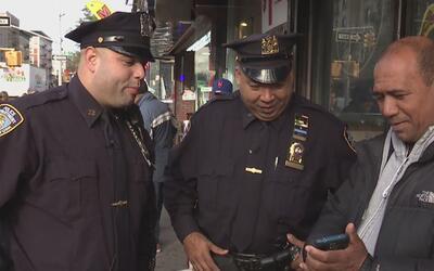 Así las patrullas de policía de Nueva York se acercan a la comunidad par...