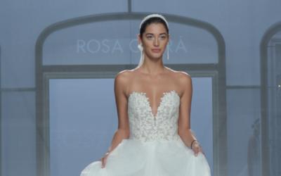 La novia de Marc Anthony desfiló vestida de novia en Barcelona.