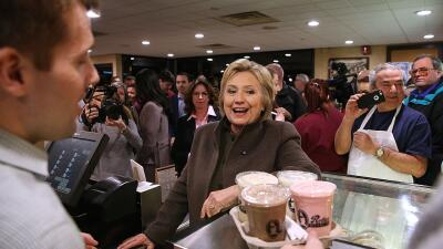Hillary Clinton en un restaurant de New Hampshire