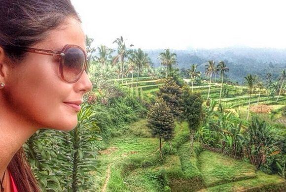 Ana gozando de la bella vista de Bali, Indonesia. (Junio 19, 2014)