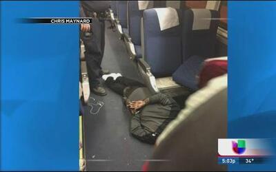 Cargos por apuñalamiento en tren Amtrack