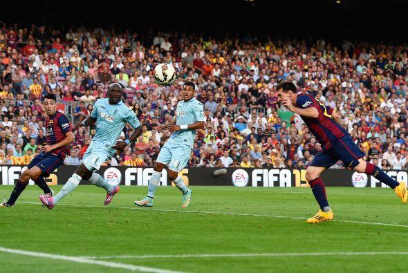 El primero de Messi fue rematando de cabeza una gran jugada colectiva in...