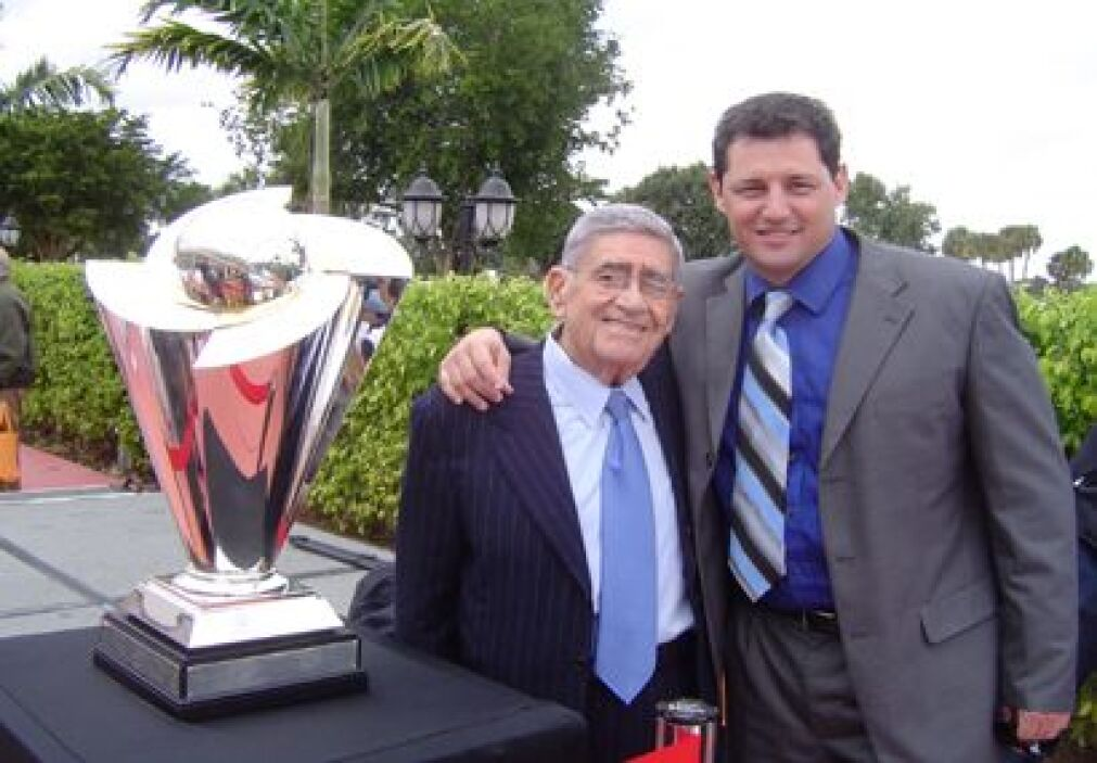 Dos grandes del deporte, Jose Luis Nápoles y Felo Ram{irez, junto a la c...
