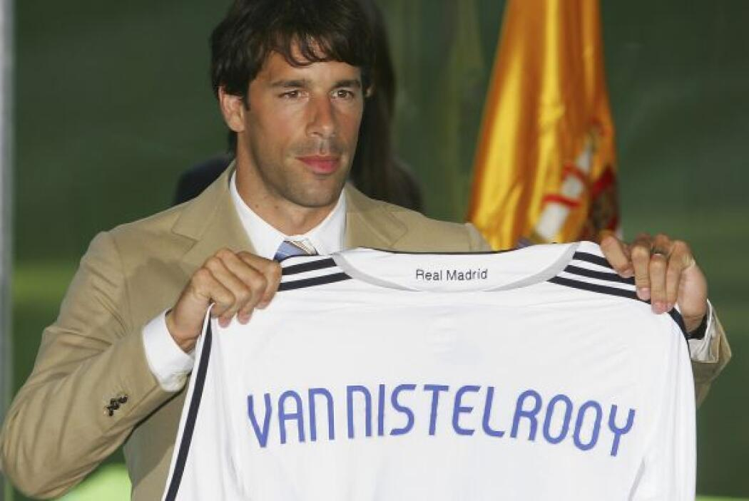 Tras romper su relación con el Real Madrid, el holandés Rud Van Nistelro...