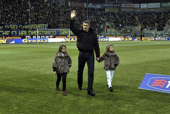 El delantero aseguró que volverá a Parma para trabajar en...
