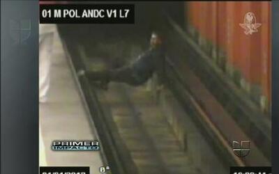 Un hombre terminó en los rieles del metro