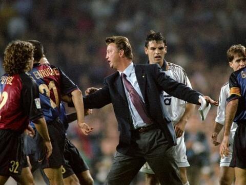 Louis van Gaal, quien fuera entrenador del Barcelona en dos etapas. En l...