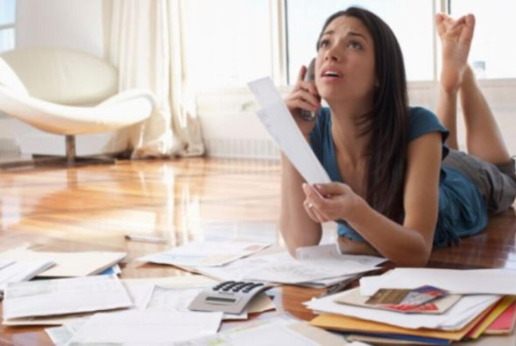 Obtener demasiadas deudas- Ser capaz de pedir dinero prestado nos permit...