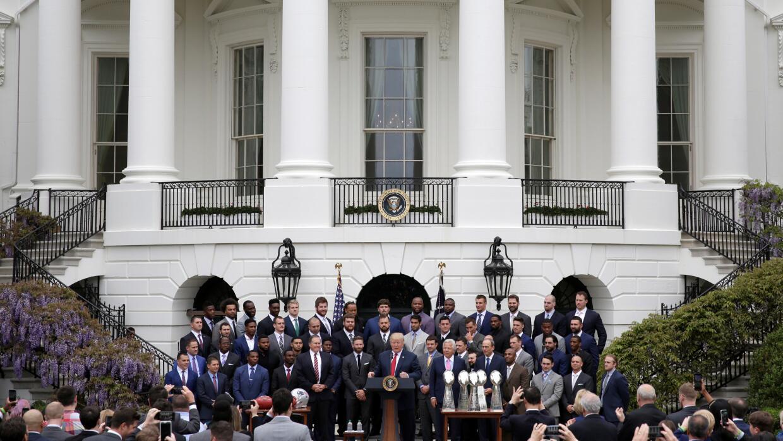 Los Patriots en la Casa Blanca con Trump 2017-04-19T191810Z_683929414_R...