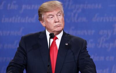 Trump habría contratado al menos a 1,000 de sus empleados a través de la...