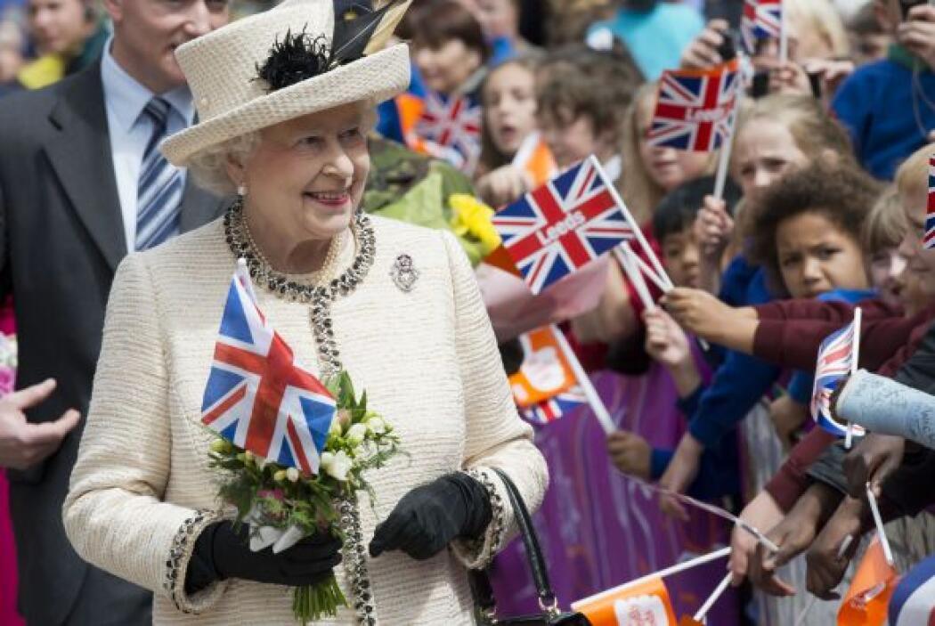 Febrero. Isabel II de Inglaterra celebra jubileo para conmemorar los 60...