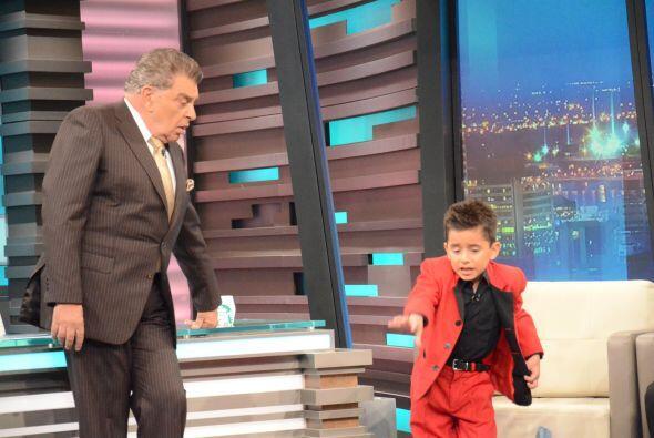 Dayiro dijo haber aprendido solito, imita a Michael Jackson y bailar tod...