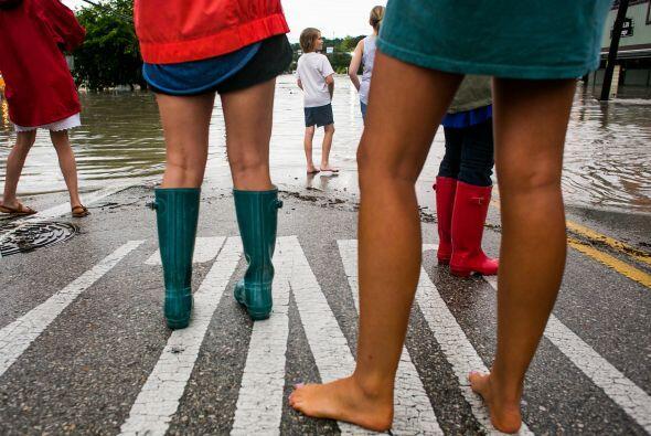 Algunas zonas de la capital texana quedaron bajo el agua luego de las in...