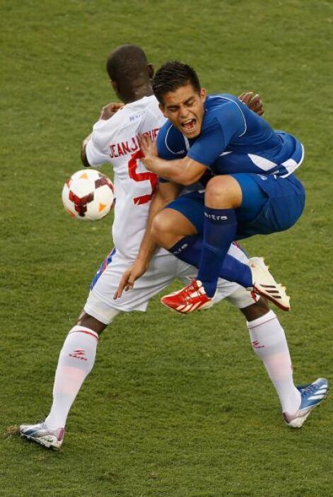 Rodolfo Zelaya como de costumbre siendo el jugador que marca diferencia...