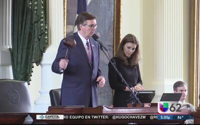 Senado de Texas aprueba la propuesta de ley en contra de las ciudades 's...