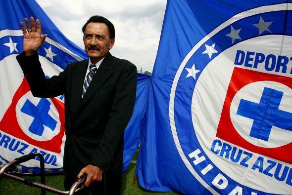 El Kalimán es uno de los jugadores históricos de Cruz Azul ya que consig...