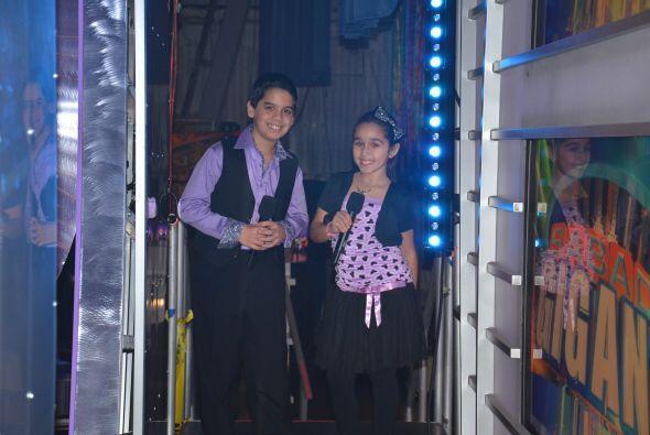 Nuestros pequeños conductores, Joselyn y Bmarioio, lucieron muy elegante...
