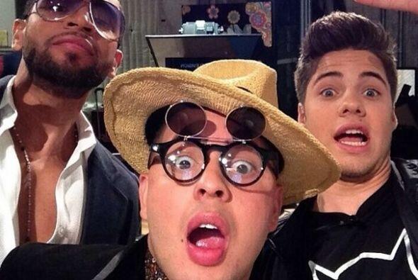 """""""#Selfie con maffioglobal y @henrysantos hoy en el show."""", mostró Willia..."""