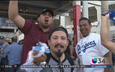 Fans esperan victoria de los Dodgers